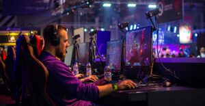 Suosituimmat e-urheilulajit rahapelejä harrastavien keskuudessa — ja kuinka lyödä niissä vetoa